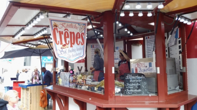 10-Crepes-Stand